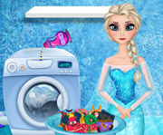 game Elsa Washing Clothes