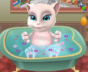 game Talking Angela Bathing